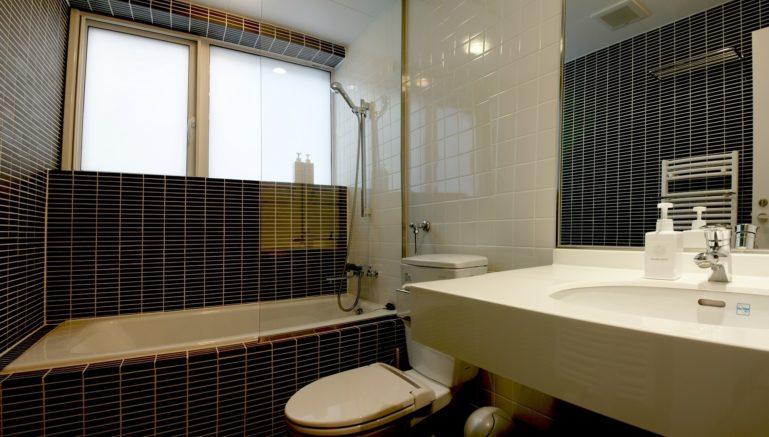 Horizon Townhouse Bathroom