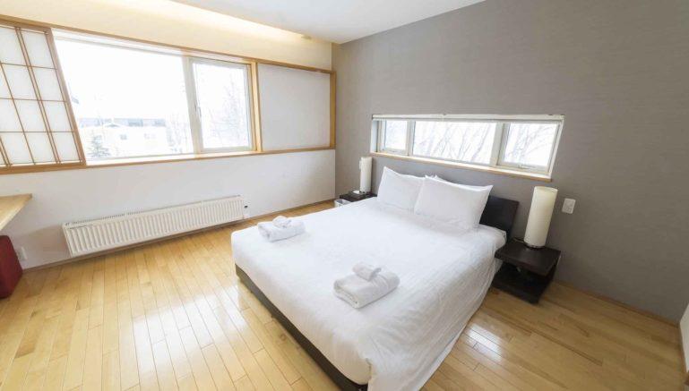 J  House  Jh  Bedroom  Winter3