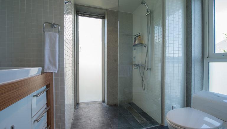 Konkuriito G Kong Bathroom