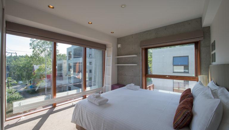 Konkuriito G Kong Bedroom Summer