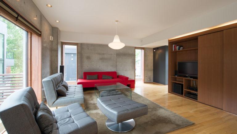Konkuriito Q Konq Living Room Summer 2