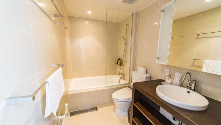 Mori  K  Mork  Konishi  House  Bathroom1