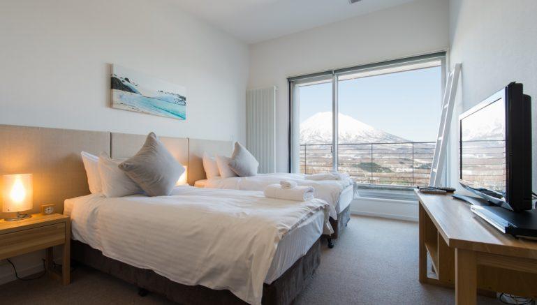 Gcp Youtei Tracks Penthouse Bedroom 1