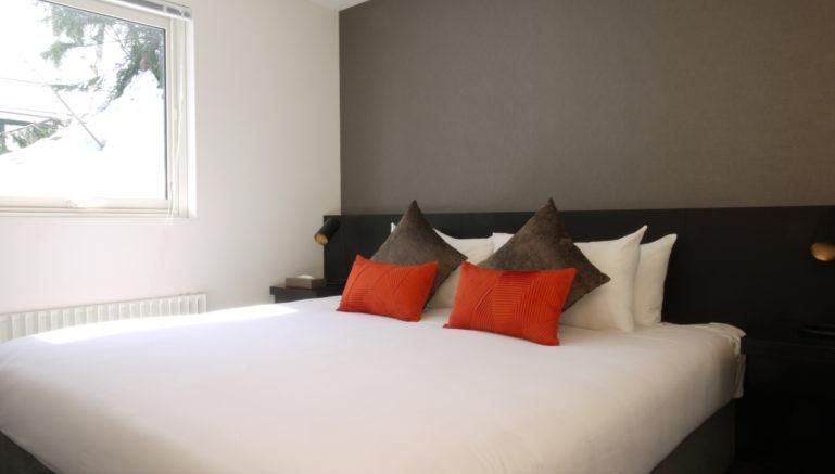 Hg04 bedroom 1jpg 5775210444 o