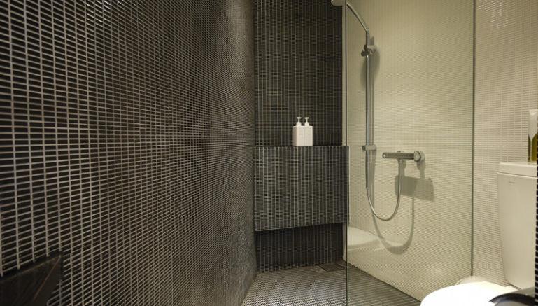 kira-kira-302-bath-room-2