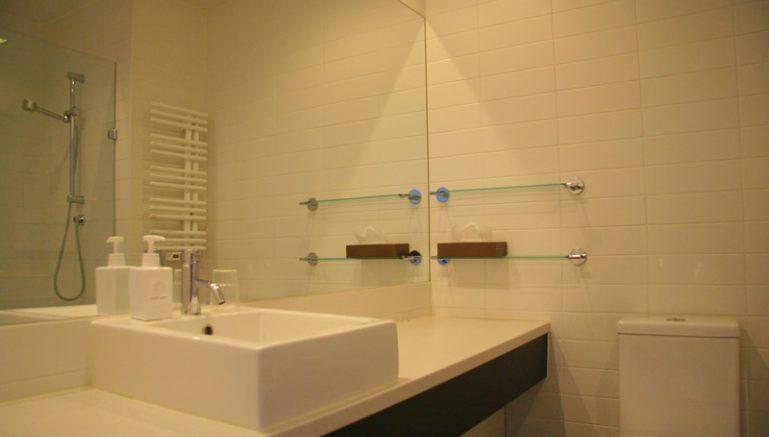 miharashi-01-bathroom-vanity
