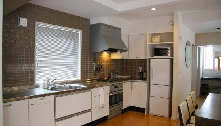 mori-houses-b-kitchen