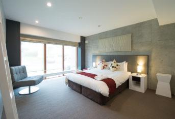 Konkuriito Q Konq Master Bedroom