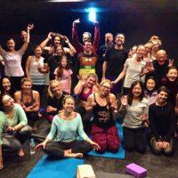 powder-yoga-2015-2016-night-group-2