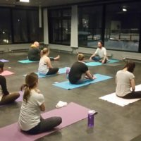 powder-yoga-2015-2016-night-phil