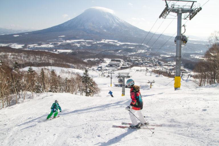 empty-niseko-spring-slopes