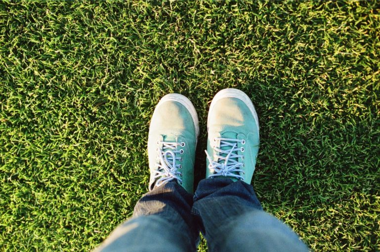 Feet Foot Grass 2592