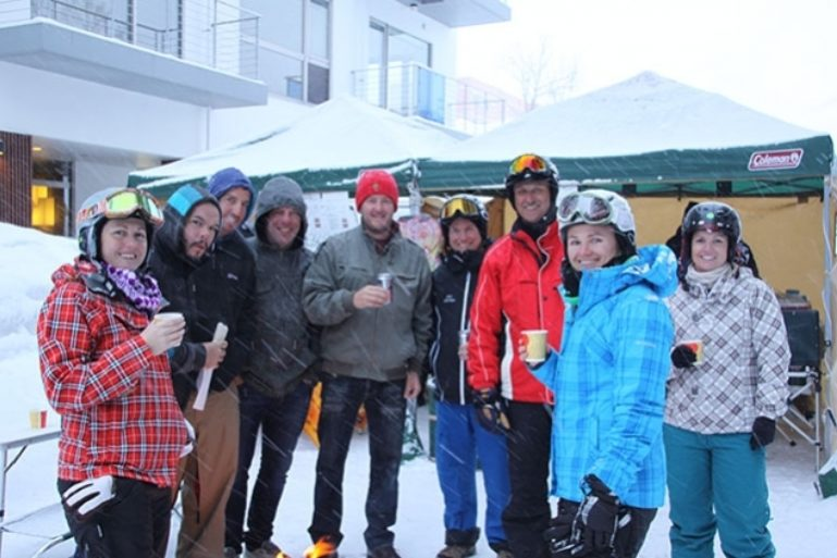 snow-cafe1-635 635 423