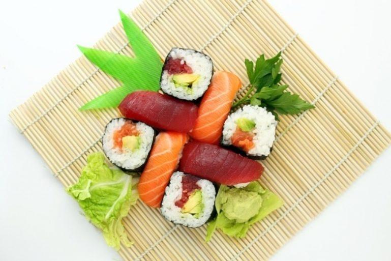 sushi-373588 640 635 423