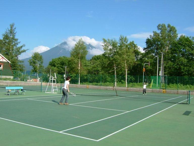 Tennis in Niseko