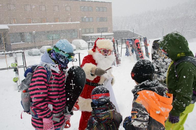 Santa At Grand Hirafu