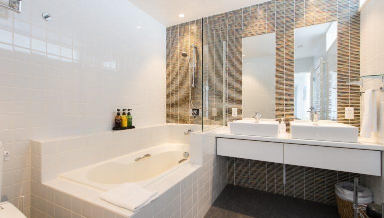Youtei Tracks Penthouse Bathroom 1