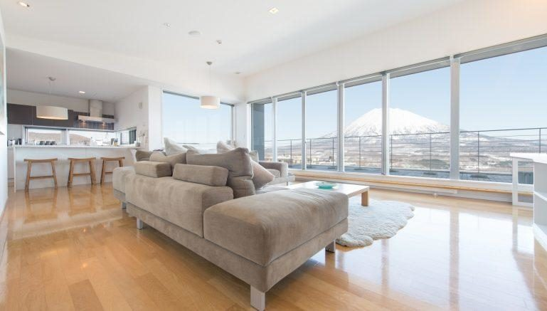 Youtei Tracks Penthouse Living 1